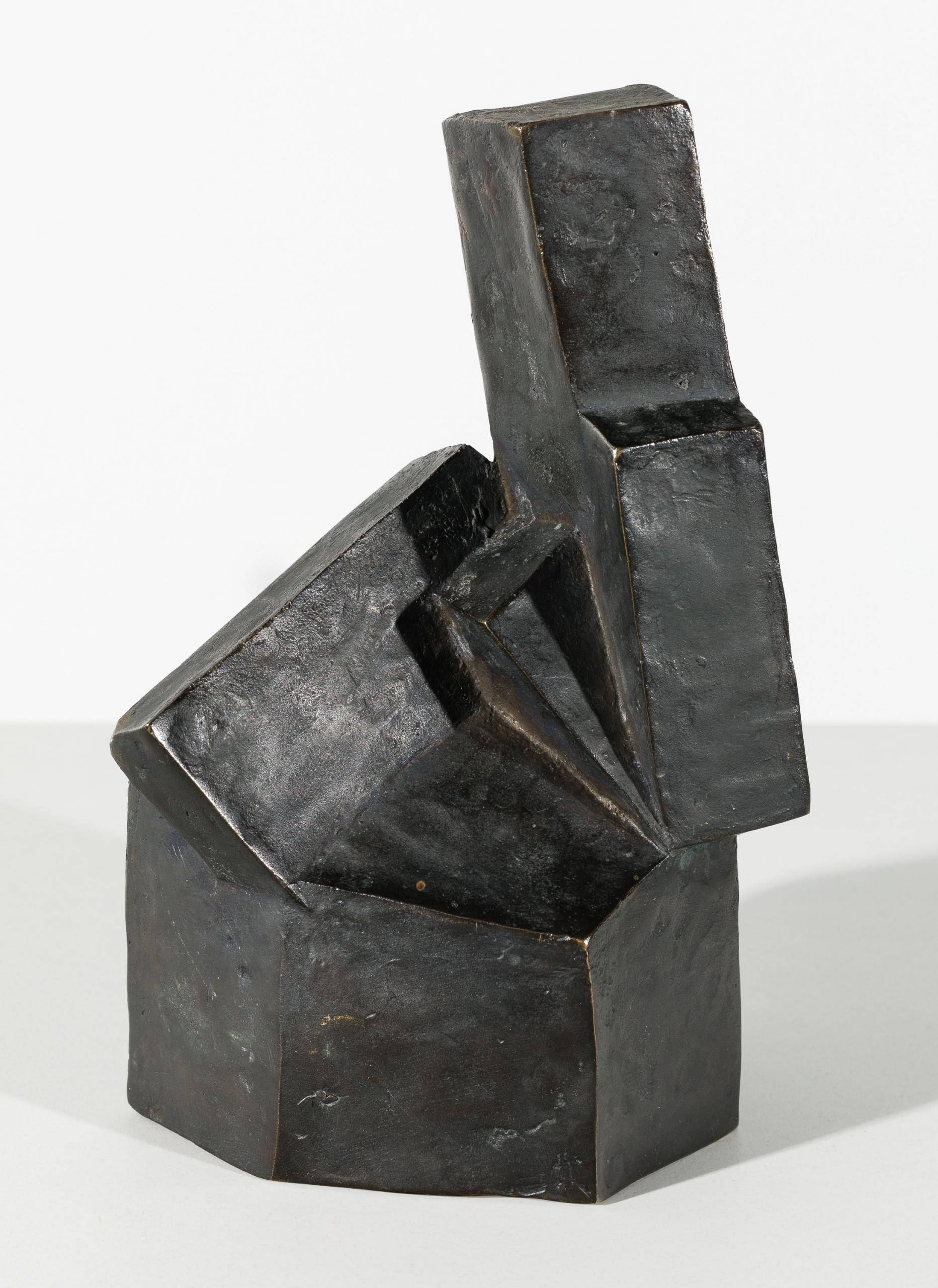 Josef Pillhofer, Kleine kubische Sitzende