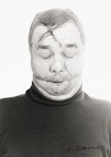 """Arnulf Rainer, Verschliessung (aus der Serie """"Face Farces"""")"""